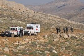 """الجيش اللبناني يزاحم """"حزب الله"""" في بلدة حدودية مع سوريا"""