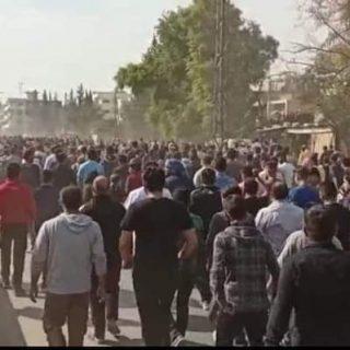 مقتل 8 في احتجاجات على القوات التي يقودها الأكراد في شمال سوريا (ميليشيات pyd الأرهابية)