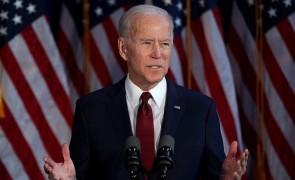 الرئيس الأمريكي جو  يصدر بياناً في اليوم العالمي للاجئين .
