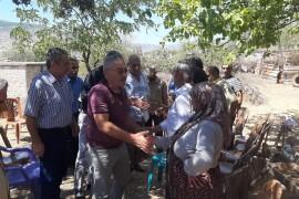 قيادة رابطة المستقلين الكرد تلتقي اهالي عفرين العائدين الى منازلهم من مخيمات الذل والعار في منطقة الشهباء .